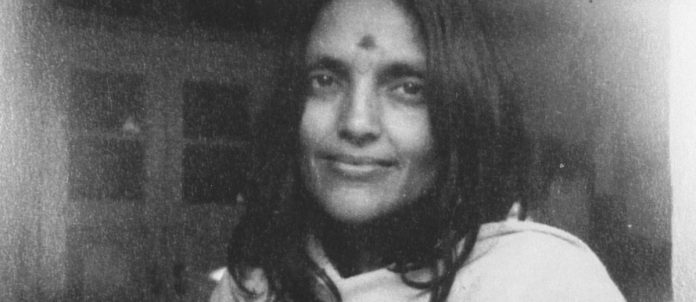 Madre permeata di gioia (Anandamayi Ma)