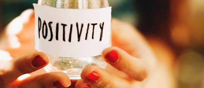 """Mostrarsi visibili ed essere ininterrottamente """"collegati"""" al mondo """"assicura"""" una illusoria certezza"""